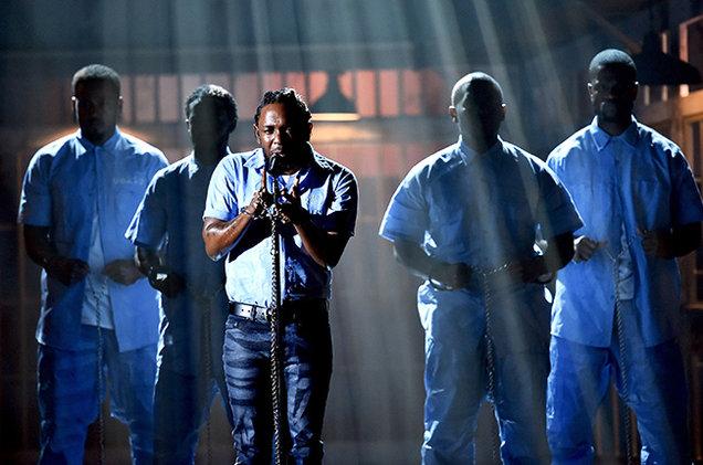 03-Kendrick-Lamar-performance-grammy-2016-billboard-650