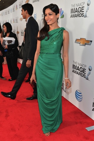 freida_pinto_44th_naacp_image_awards_in_los_angeles_1feb2013_rbiEOZCP.sized