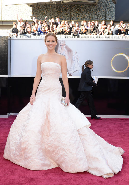 oscars-2013-jennifer-lawrence-dior-haute-couture-h724