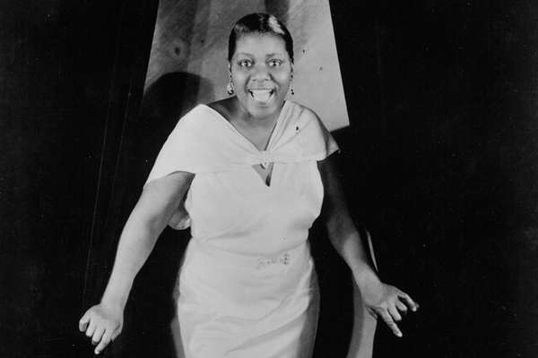 a biography of bessie smith a blues singer Bessie smith worked with many important jazz performers such as: sidney bechet fletcher henderson james p johnson - with johnson, she recorded one of her most famous songs, backwater blues.