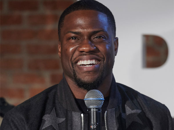 kevin-hart-smile-mic-getty-600